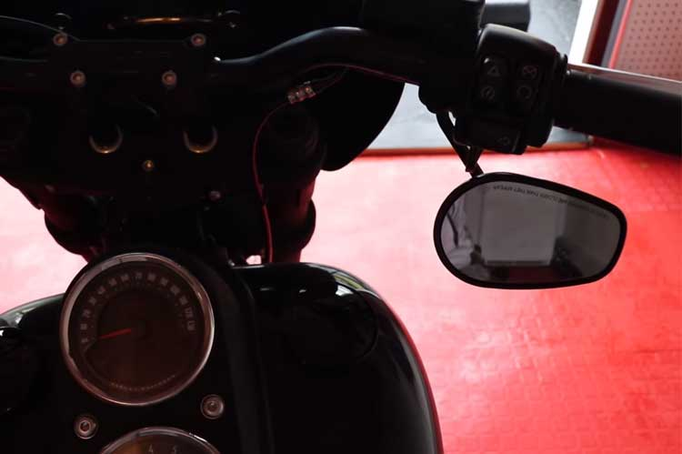 Flipping the mirrors on Harley Davidson